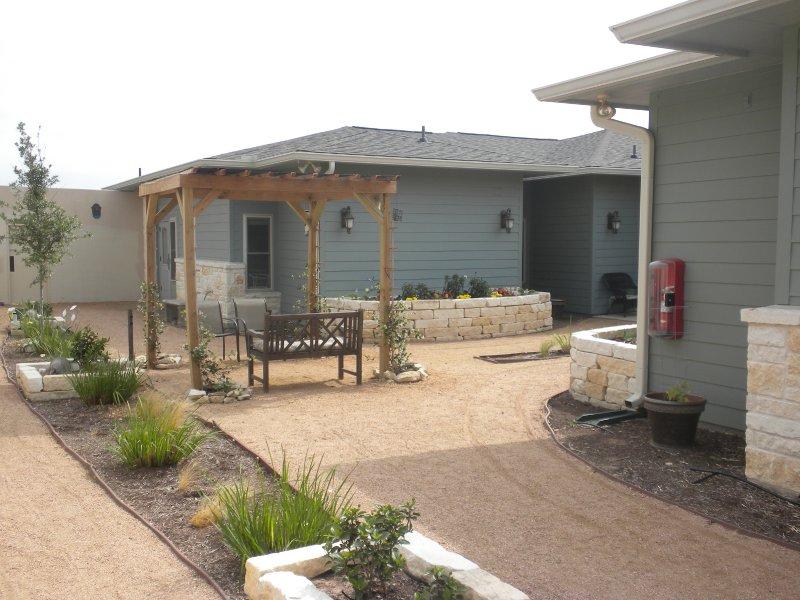 Arveda SW Austin Location Courtyard